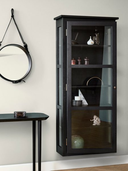 Image of Lindebjerg Design Dark Oak N4 vitrine Cabinet in a sand colored room with interior